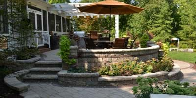 Blog Post: How do I select the best colors for pavers and accents on our hardscaping project?